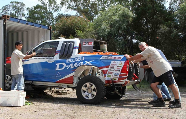 Isuzu D-MAX and Bruce Garland for Dakar 2011