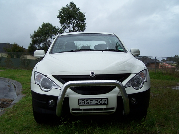 2011 SsangYong Actyon 4X4 Ute front