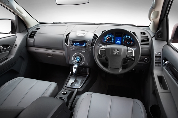 Holden Colorado7 LTZ- interior