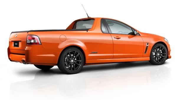 2013 Holden VF Ute exterior rear ¾ - Fantale