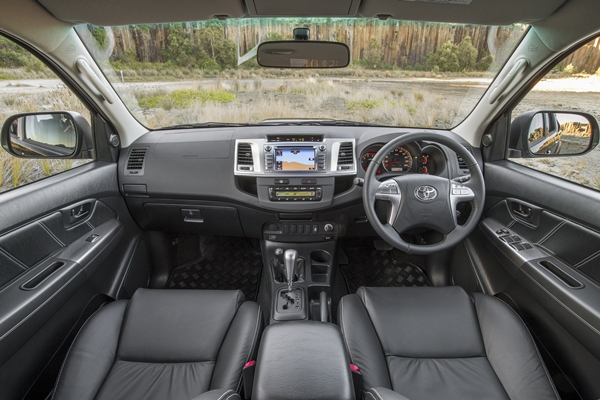 2015 Toyota Hilux Black Limited Edition front