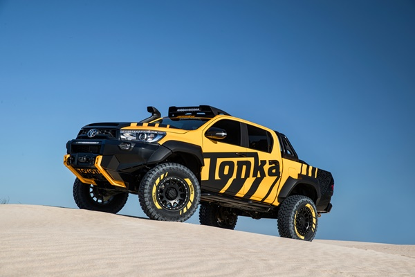 Toyota HiLux Tonka Truck