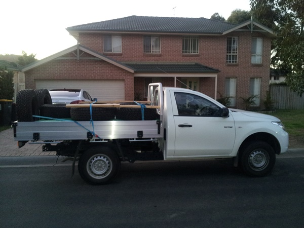 Mitsubishi Triton 2wd single cab load 1