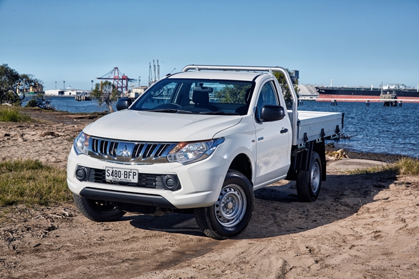 Mitsubishi Triton GLX Single Cab Trayback Ute FEATURE front