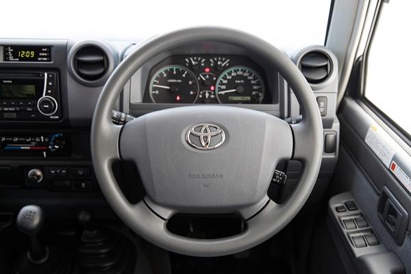 2016 Toyota LandCruiser 70 Series GXL interior - Ute Guide