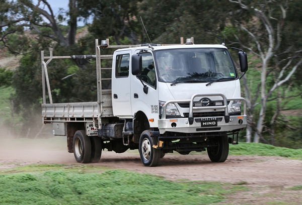 Prototype Hino 300 Series 4x4 in action 3
