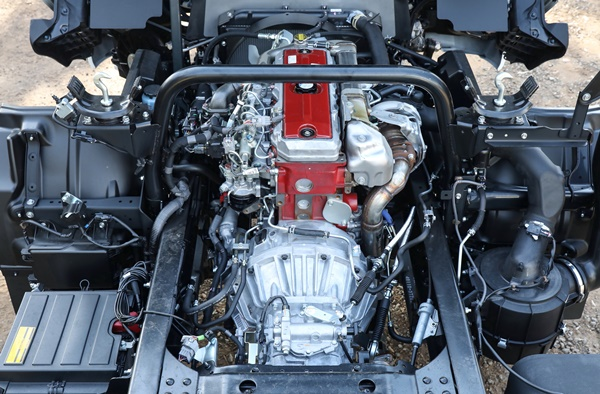 Hino 300 series 817 4x4 transmission
