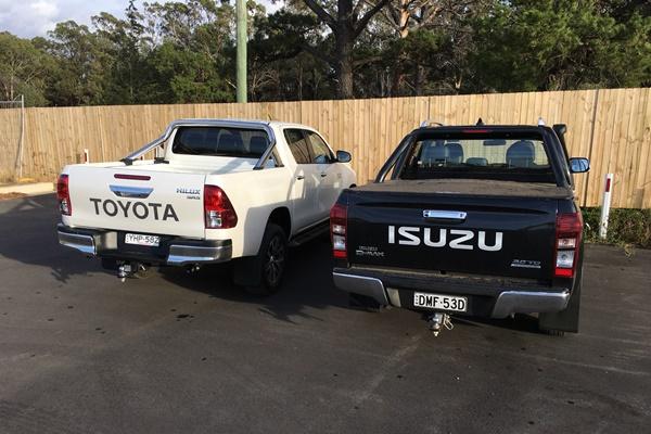 Isuzu D Max LST Toyota Hilux SR5