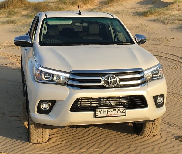 2018 Toyota Hilux SR5 feature