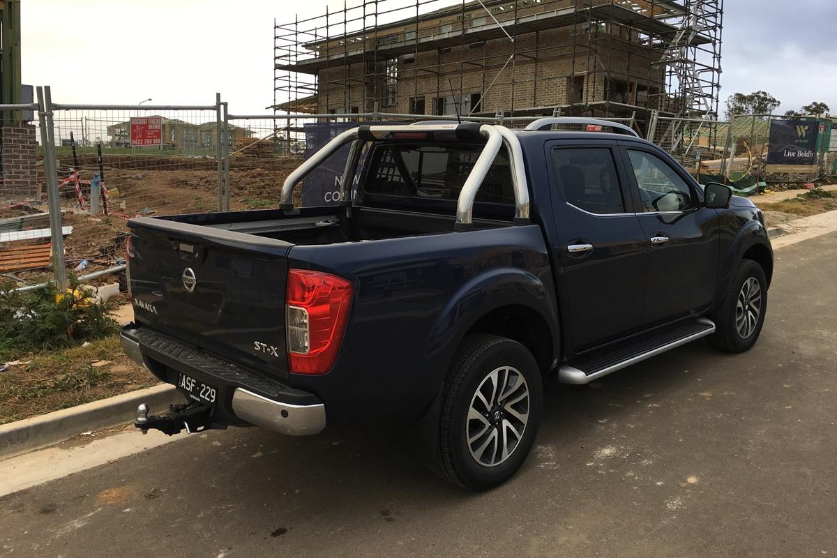 2018 Nissan Navara ST-X rear