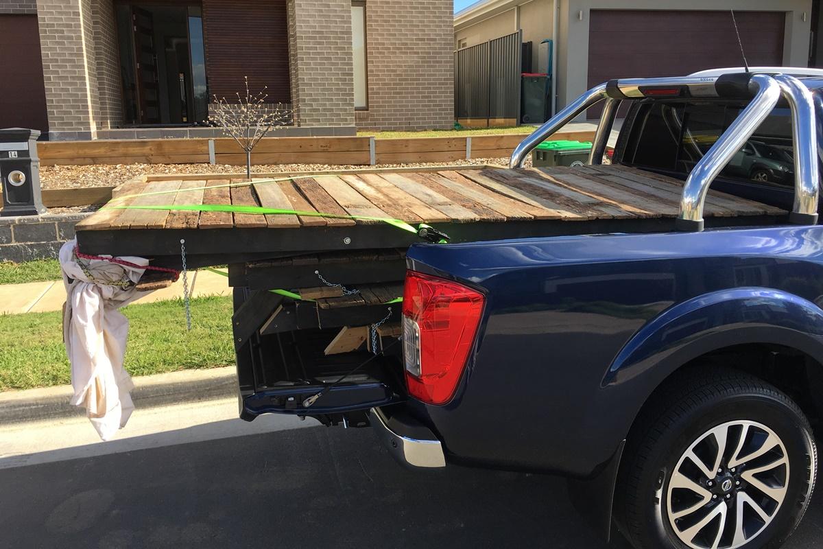 2018 Nissan Navara ST-X tray load 1