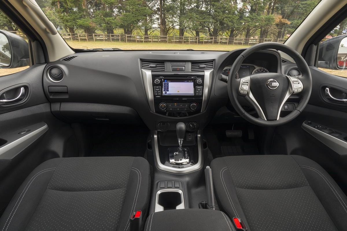 Nissan Navara ST