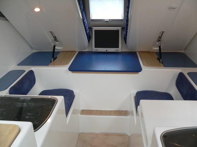 Innovan slide on camper