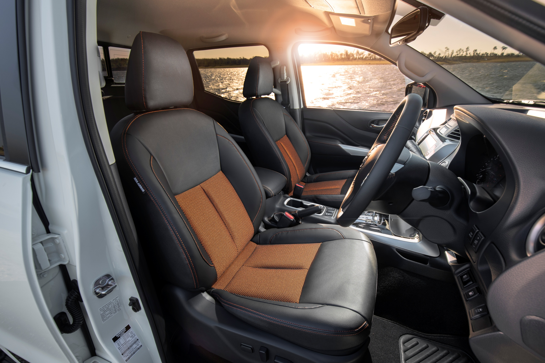 2019 Nissan Navara N-TREK front seats