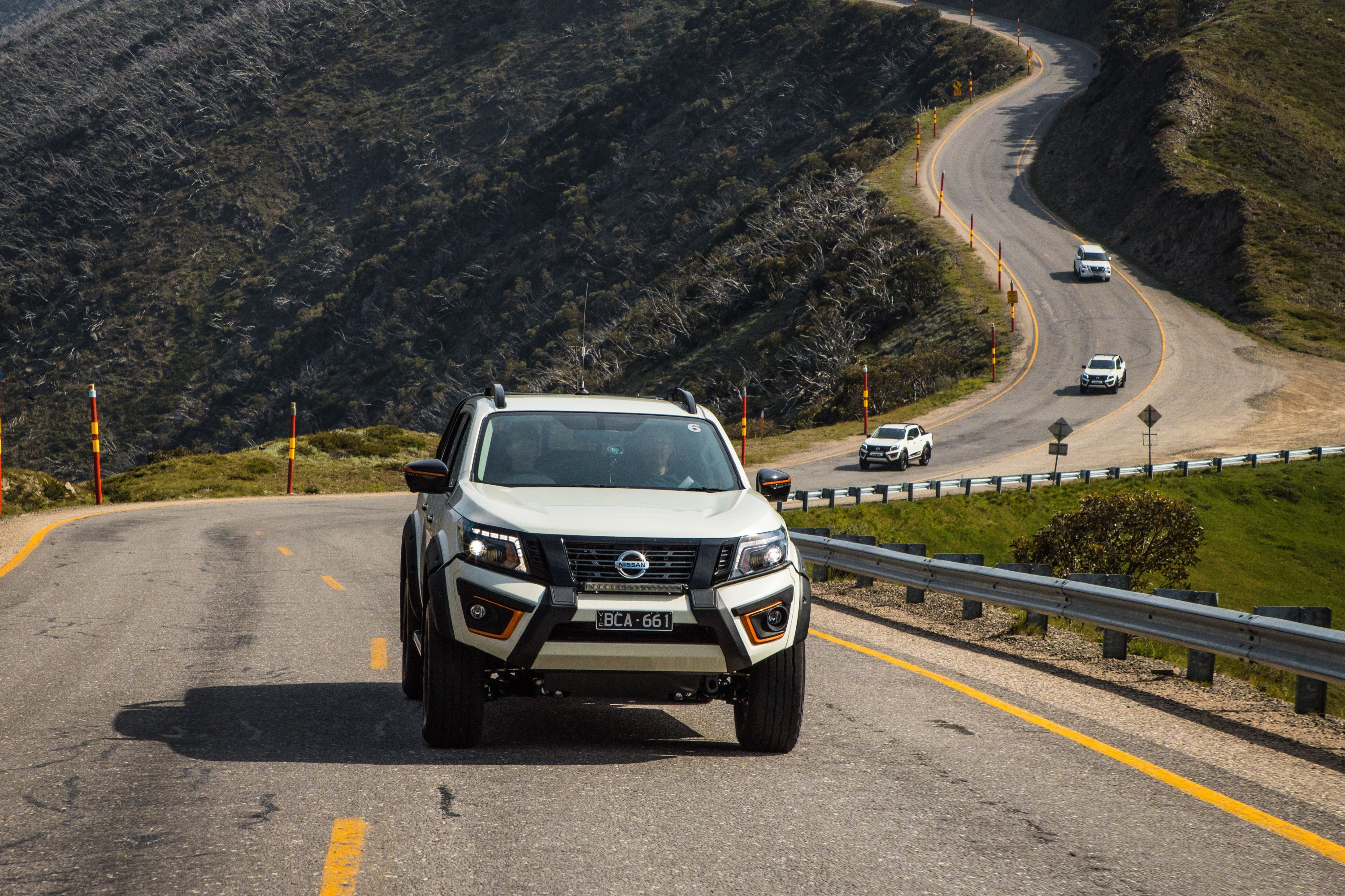 Nissan Navara N-TREK Warrior 18 driving