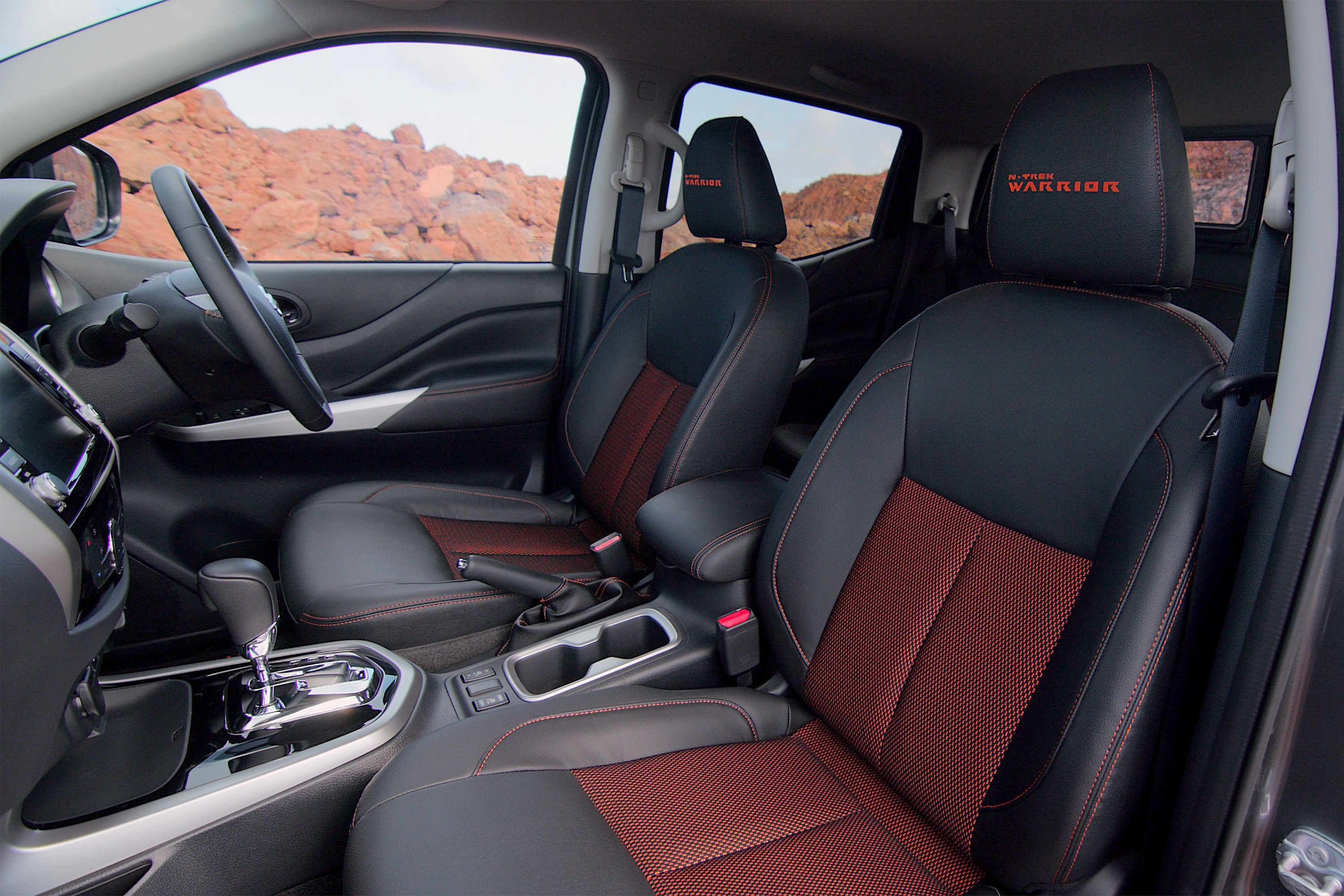 Nissan Navara N-TREK Warrior 4 interior seats