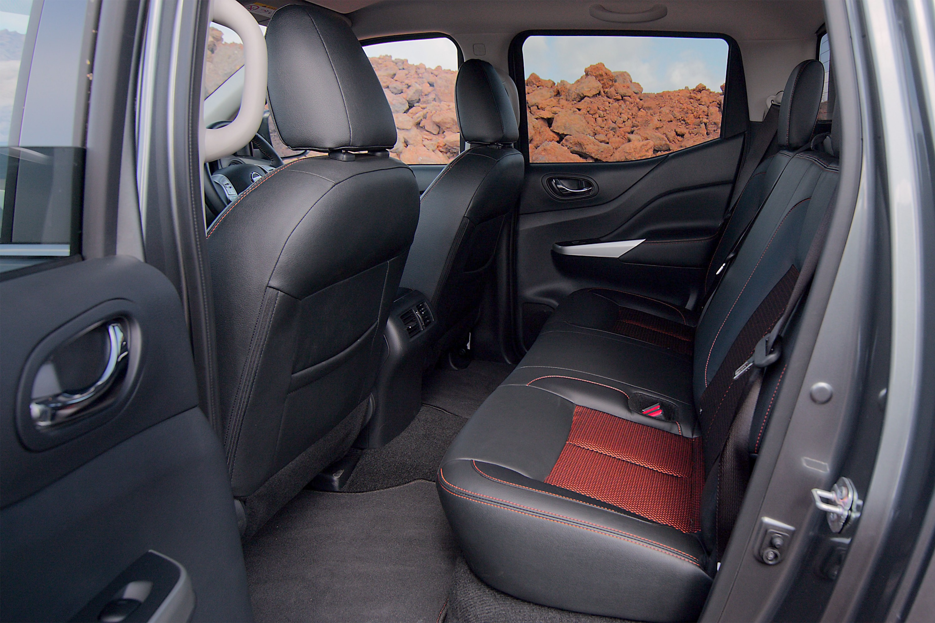Nissan Navara N-TREK Warrior 5 interior rear seats