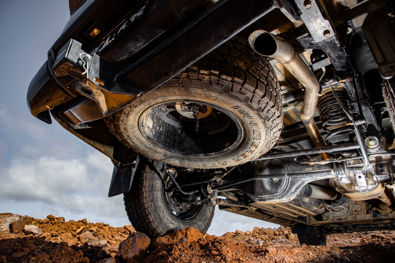 Nissan Navara N-TREK Warrior 7 underslung tyre