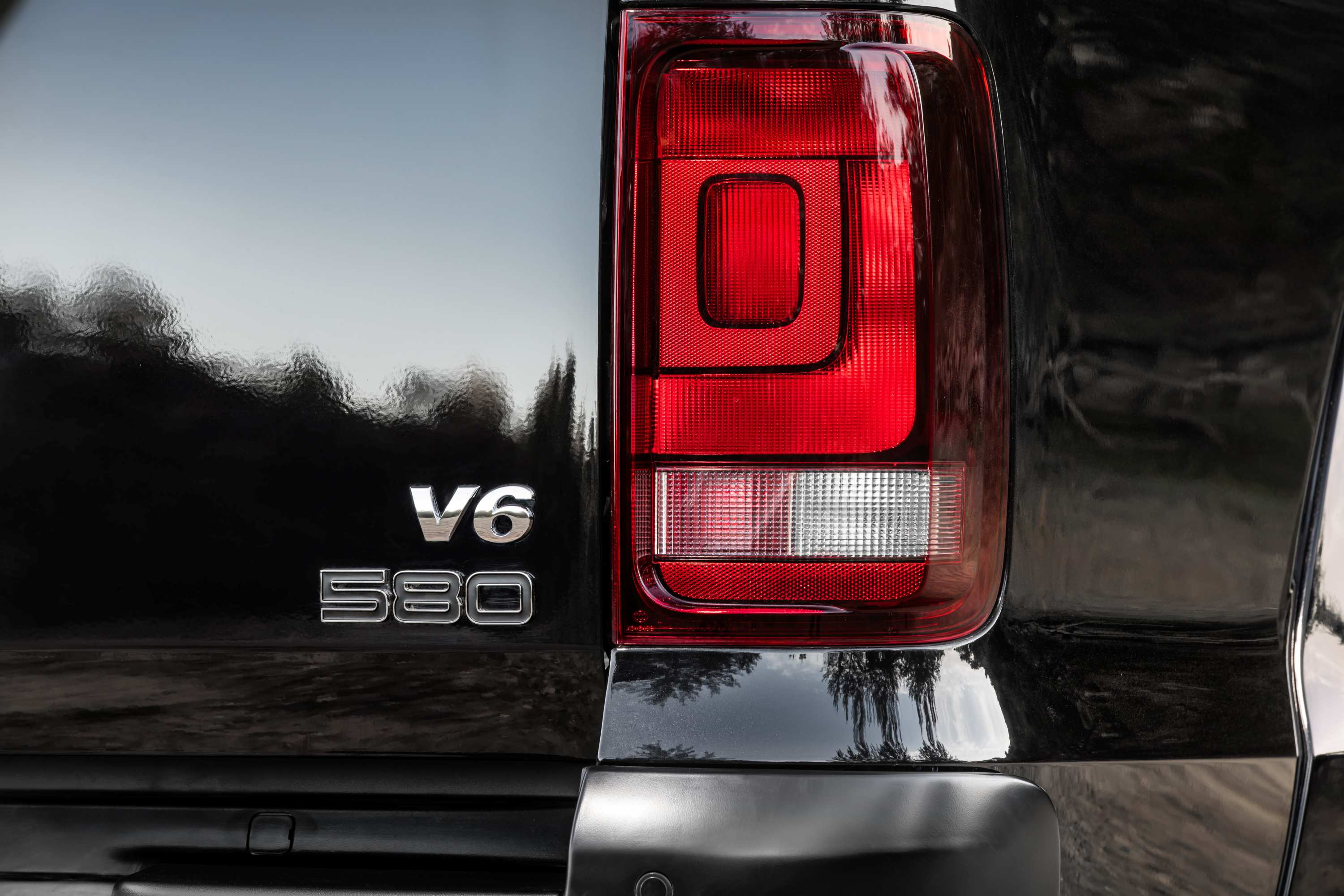 Volkswagen Amarok V6 580S: unlimited style, in limited numbers.