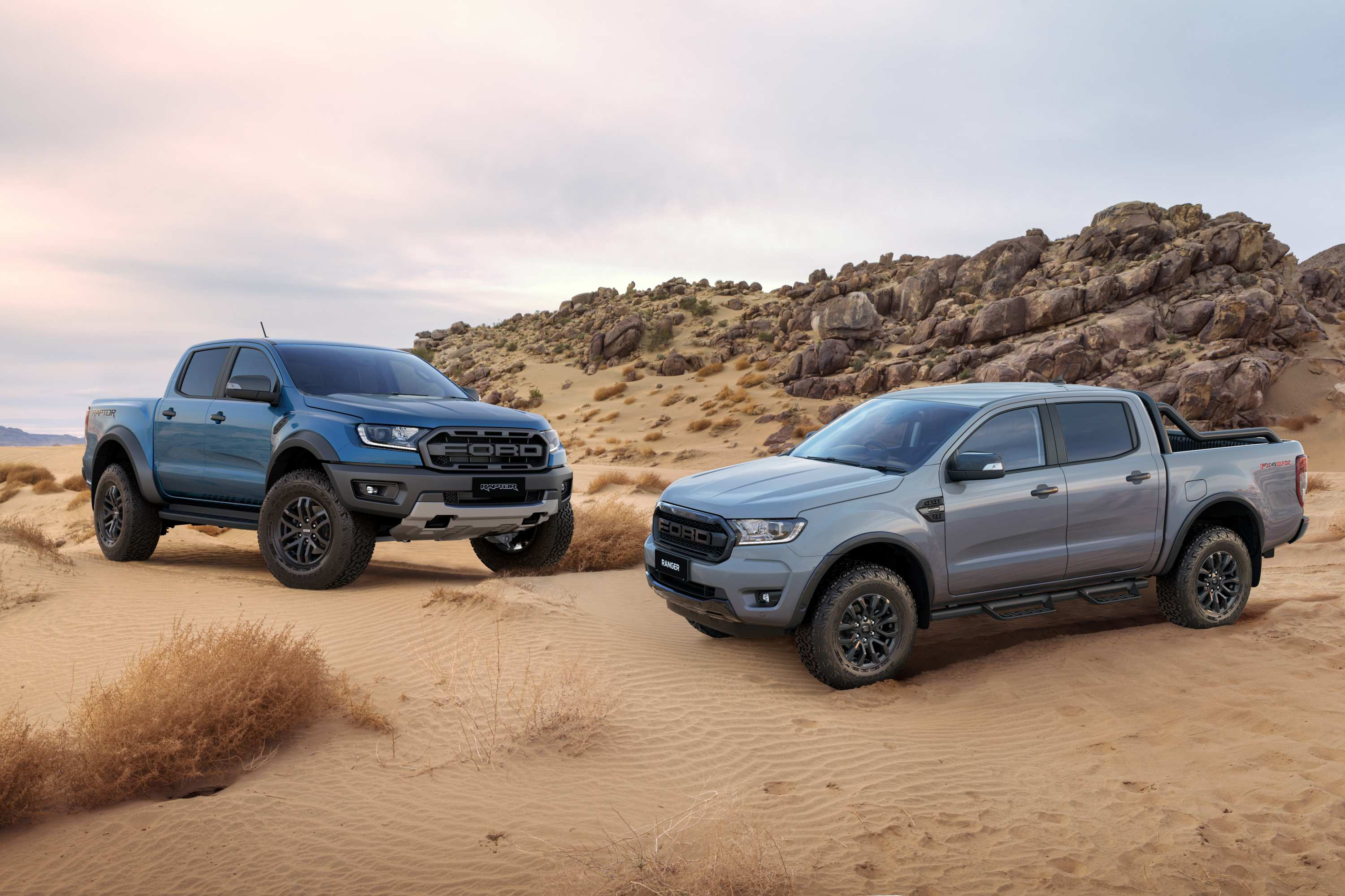 Ford_Ranger FX4 MAX 2020 with raptor