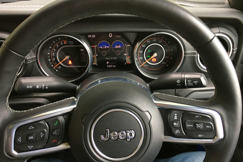 Jeep Gladiator Overland 4WD Ute dash 3