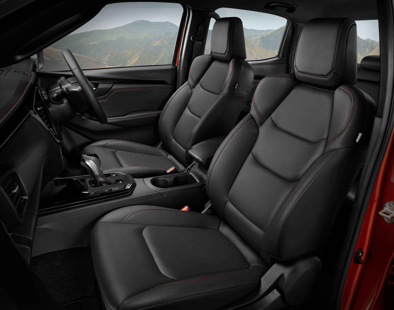 22MY Isuzu D-MAX 4x4 X-TERRAIN - Front Seat.